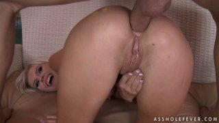 Pink butt hole of sexy blonde Bea Stiel gets gaped