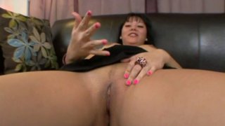 Exotic looking slut Tina Lee rubs her pussy and gives a hot blowjob